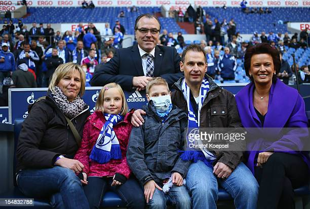 Anja Schaefer, Lene Schaefer, chairman Clemens Toennies of Schalke, Marvin Schaefer, Lars Schaefer and Margit Toennies of Kindertraeume invited the...