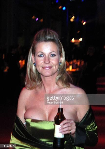 Anja Schüte ZDFGala 'Deutscher Fernsehpreis' AftershowParty Köln 'Coloneum' Getränk Alkohol Dekollete sexy Schauspielerin Promis Prominente...