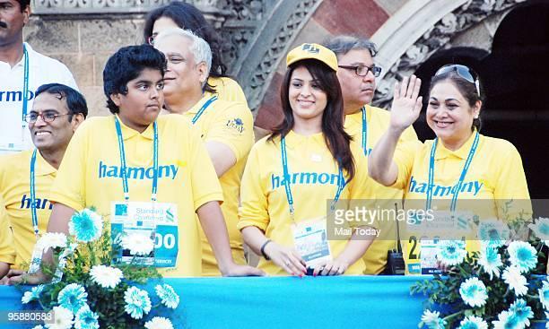 Anjana Sukhani and Teena Ambani at the Standard Chartered Mumbai Marathon 2010 on Sunday January 17 2010