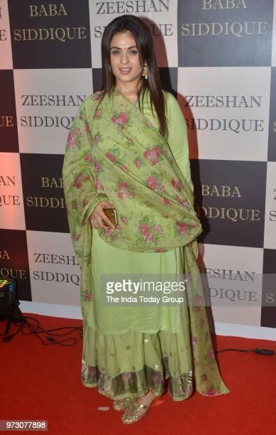 Anjana Sukhani at Baba Siddiques Iftar party in Mumbai