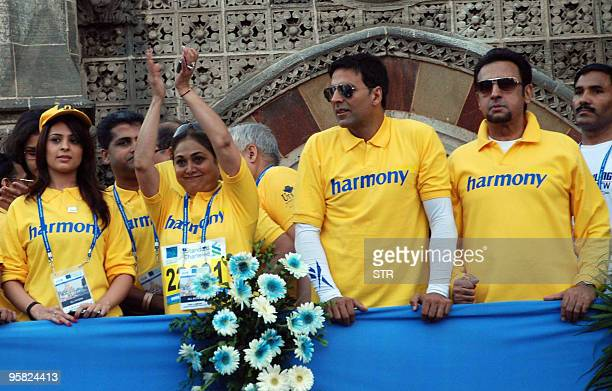 Anjana Sukhani Teena Ambani Akshay Kumar and Gulshan attend the Standard Chartered Mumbai Marathon 2010 in Mumbai on January 17 2010 The seventh...