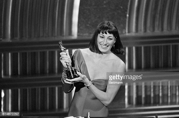 Anjelica Houston proudly holds her Oscar award on March 24 1986 Huston was recognized as Best Supporting Actress for her role in Prizzi's Honor
