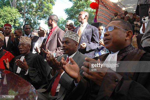 Anjouan strongman Mohamed Bacar prays during his inauguration ceremony 14 June 2007 at the Dar Nadjah presidential palace in Mutsumadu The Comoros...