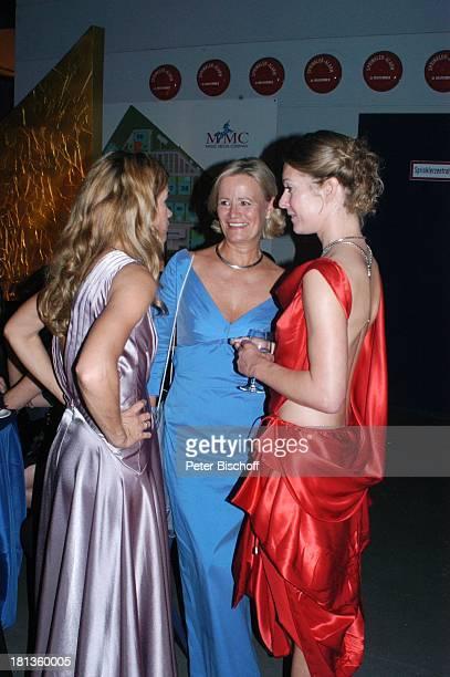 """Anke Engelke , Claudia Rieschel, Lisa Martinek, , ARD-Gala """"Deutscher Fernsehpreis 2006"""", Köln, Deutschland, , Prod.-Nr.: 1506/2006, """"Coloneum"""",..."""