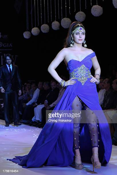 Ankita Shorey walks the runway in Gitanjali design on day 1 of India International Jewellery Week 2013 at the Hotel Grand Hyatt on August 4 2013 in...