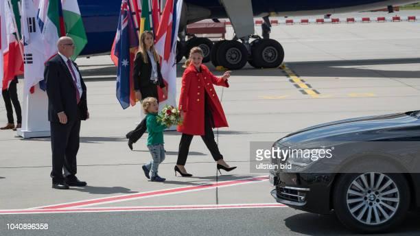 Ankunft der Kanadischen Regierungsmaschine mit dem Premierminister Justin Trudeau , seiner Ehefrau Sophie Gregoire und seinem Sohn Hadrien und...