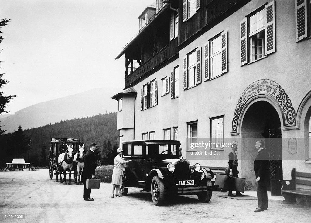 Berghotel Teichmannbaude im Riesengebirge Pictures | Getty Images