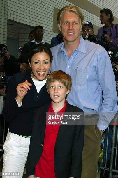 Ann Curry with her husband Brian Ross and their son Walker