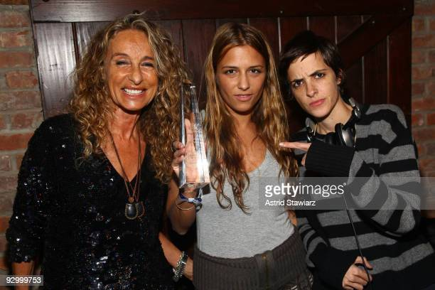 Ann Dexter-Jones, Fashion designer Charlotte Ronson with the 2009 Compassion In Fashion Award and Samantha Ronson attend The Humane Society of the...
