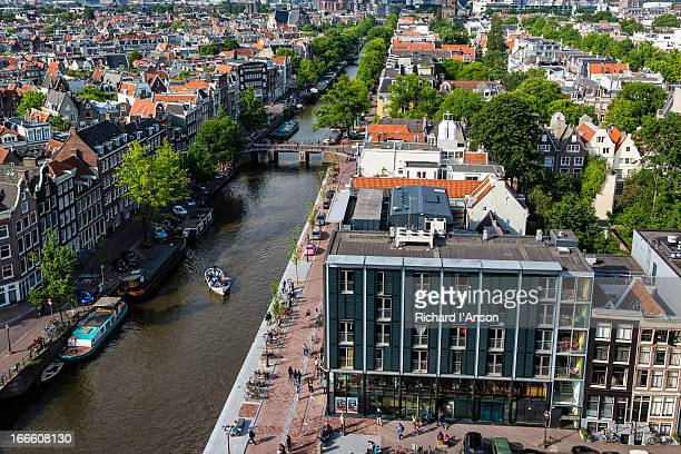 ann frank house and prinsengracht canal - anne frank house stock pictures, royalty-free photos & images