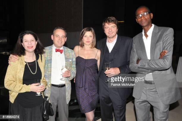 Ann Goldstein Charlie Scheips Kristin Hjellegjerde Michael Wurzel and Mark Bradford attend AMERICAN PATRONS of TATE Artists' Dinner at Hearst Tower...