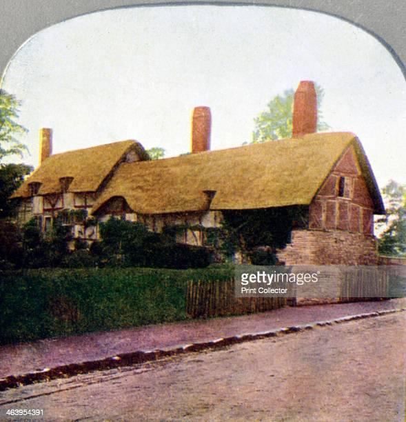 Ann Hathaway's cottage StratforduponAvon Warwickshire early 20th century Stereoscopic card Detail