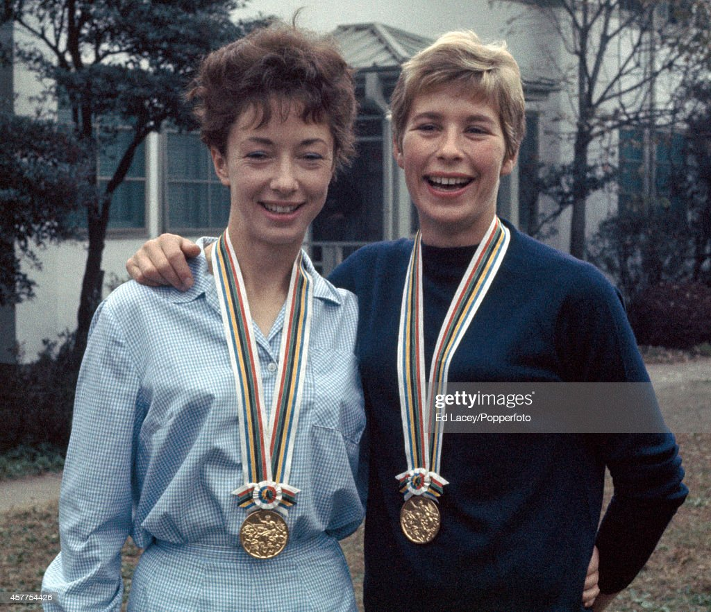 Ann Packer And Mary Rand - Tokyo Olympic Games : News Photo