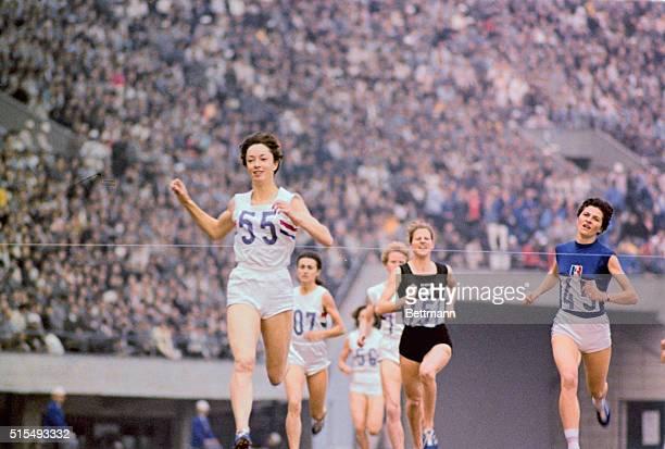 Ann Packer Winning Race