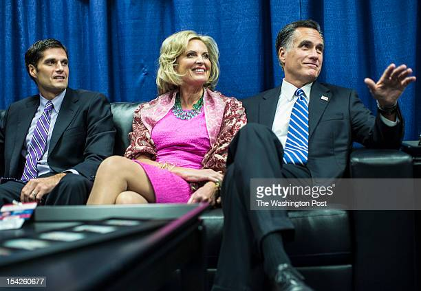 HEMPSTEAD NY OCTOBER Ann Romney and Governor Mitt Romney chat with Matt Romney left and other members of the family while sitting in the 'blue room'...