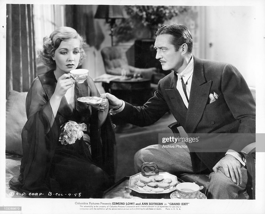 Ann Sothern And Edmund Lowe In 'Grand Exit' : News Photo