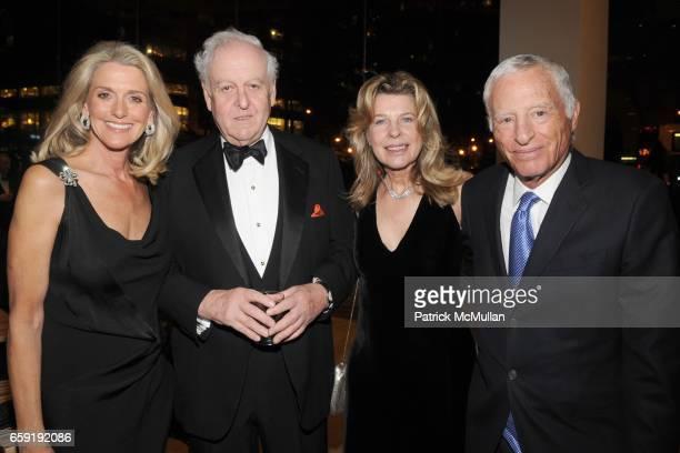 Ann Unterberg, Robert Tobin, Lisa Tobin and Tom Unterberg attend LEADING LADIES GALA Honoring LAURIE TISCH at Lincoln Center on February 23, 2009 in...