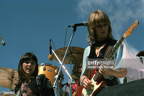 Ann Wilson and Nancy Wilson of the rock band 'Heart' perform onstage in October 1976