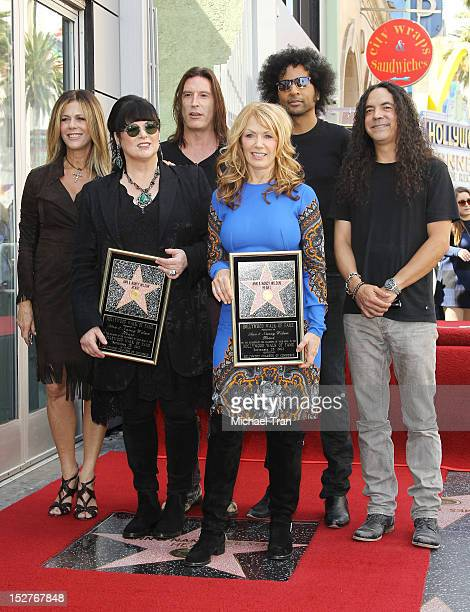 Ann Wilson Nancy Wilson with Sean Kinney Mike Inez and William DuVall of the band Alice in Chains attend the ceremony honoring Ann Wilson and Nancy...