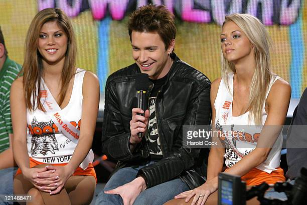 Anna and Tiffany, Hooters Calendar Girls, with FUSE VJ Steven