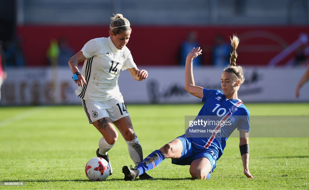 Germany Women's v Iceland Women's - 2019 FIFA Women's World Championship Qualifier : News Photo