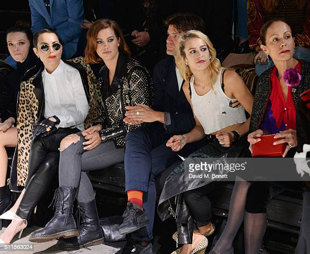 Anna Brewster Noomi Rapace Ellinor Olovsdotter Jack Penate Alice Dellal and Andrea Dellal sit in the front row at the Mulberry LFW Autumn/Winter 2016...