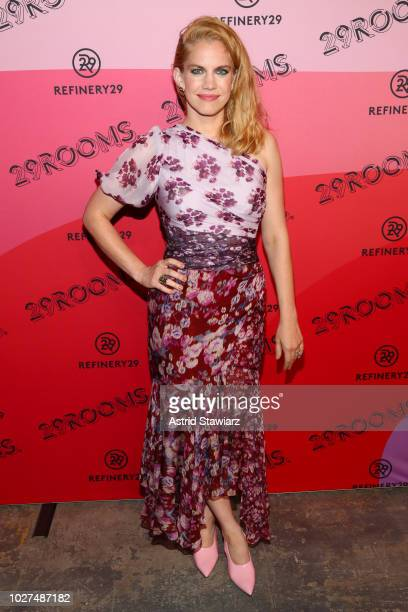 Anna Chlumsky attends the Expand Your Reality Opening Party on September 5, 2018 in Brooklyn City.