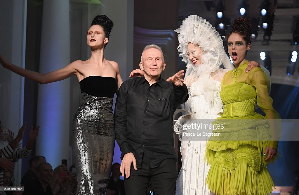 Jean Paul Gaultier : Runway - Paris Fashion Week - Haute Couture Fall/Winter 2016-2017 : News Photo