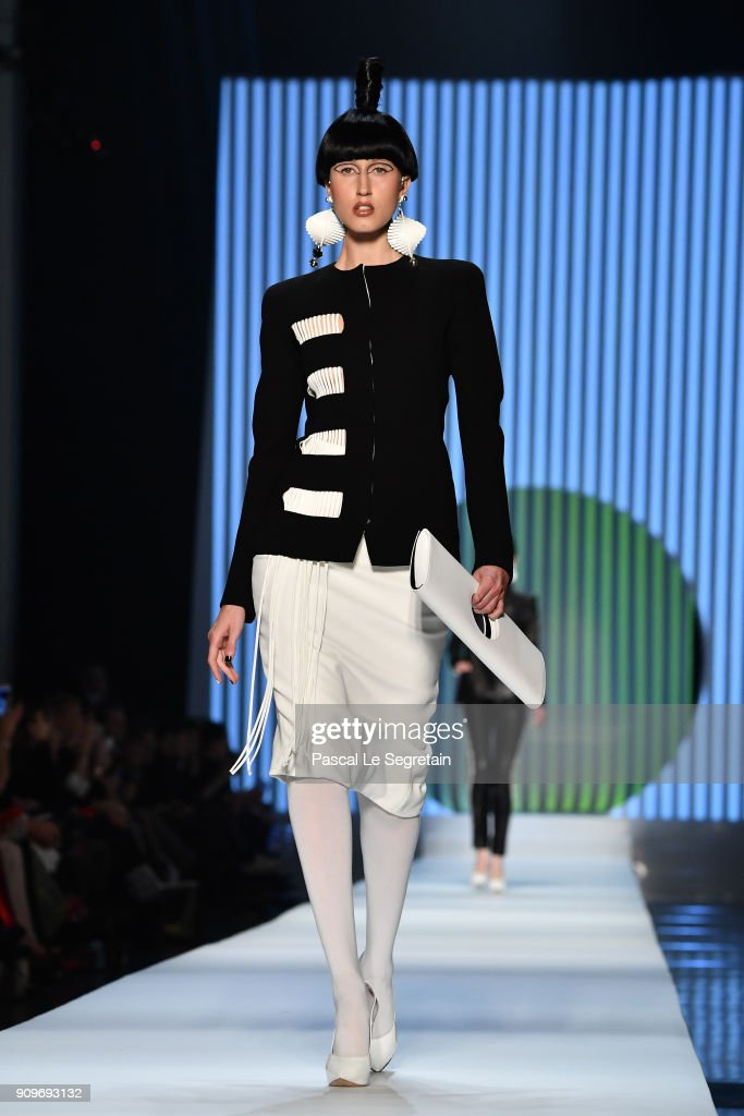 anna-cleveland-walks-the-runway-during-the-jeanpaul-gaultier-spring-picture-id909693132