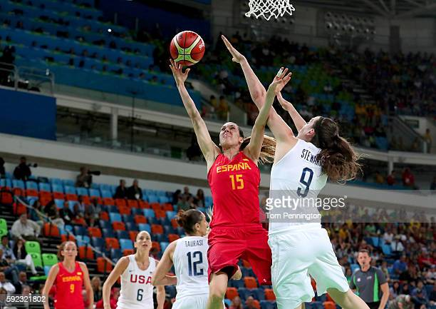 Anna Cruz of Spain goes to the basket against Breanna Stewart of United States during the Women's Gold Medal Game between United States and Spain on...