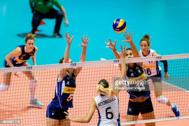 Anna Danesi of Italy blocks Elina Rodriguez of Argentina during the match between Argentina and Italy on May 30 2018 in Hong Kong Hong Kong