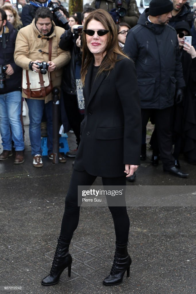 Anna Dello Russo arrives at the Valentino show as part of the Paris Fashion Week Womenswear Fall/Winter 2018/2019 on March 4, 2018 in Paris, France.
