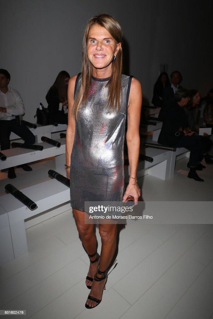 Versace - Front Row - Milan Fashion Week Spring/Summer 2018 : News Photo