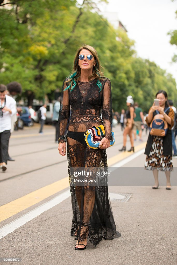 Street Style: September 22 - Milan Fashion Week Spring/Summer 2017 : News Photo