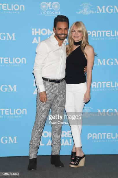 """Anna Faris and Eugenio Derbez attend a press conference to promote the film """"Overboard """" at St. Regis Hotel on May 7, 2018 in Mexico City, Mexico."""
