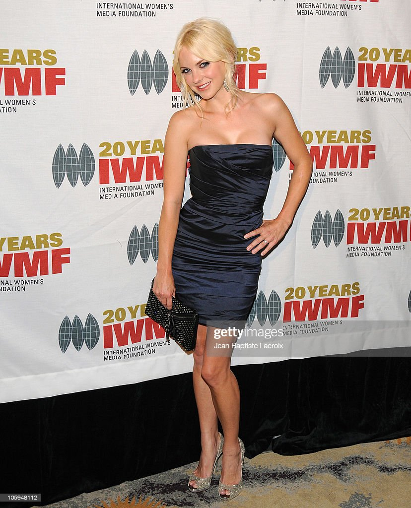 Anna Faris arrives at The International Women's Media Foundation's 'Courage In Journalism' awards held at Beverly Hills Hotel on October 21, 2010 in Beverly Hills, California.