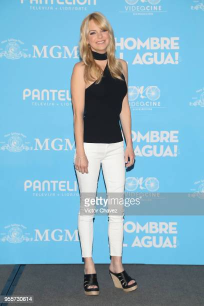 Anna Faris attends a press conference to promote the film 'Overboard ' at St Regis Hotel on May 7 2018 in Mexico City Mexico