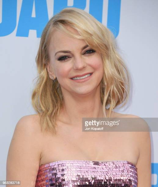 """Anna Faris attends the premiere of Lionsgate and Pantelion Film's """"Overboard"""" at Regency Village Theatre on April 30, 2018 in Westwood, California."""