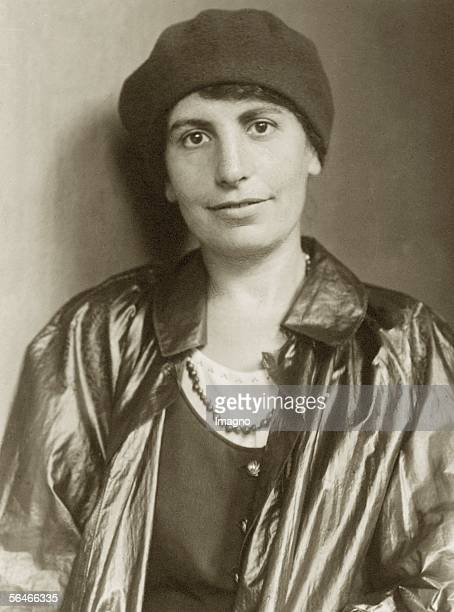 Anna Freud. Photography. Berlin 1928. [Anna Freud. Photographie. Berlin 1928]
