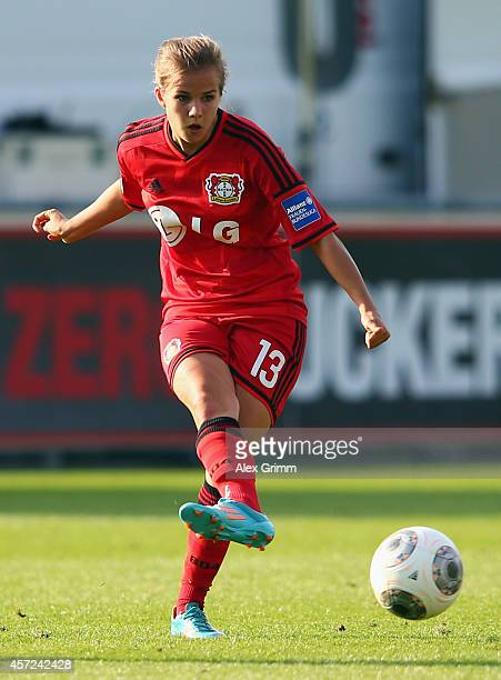 Anna Gasper of Leverkusen controles the ball during the Allianz FrauenBundesliga match between Bayer 04 Leverkusen and FC Bayern Muenchen at...