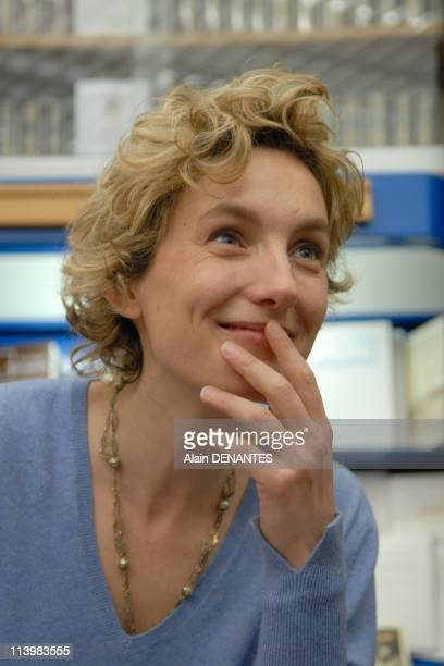 Anna Gavalda writer in dedicating In Nantes France On March 28 2008Anna Gavalda author at a book signing at the library Wind West Nantes during the...
