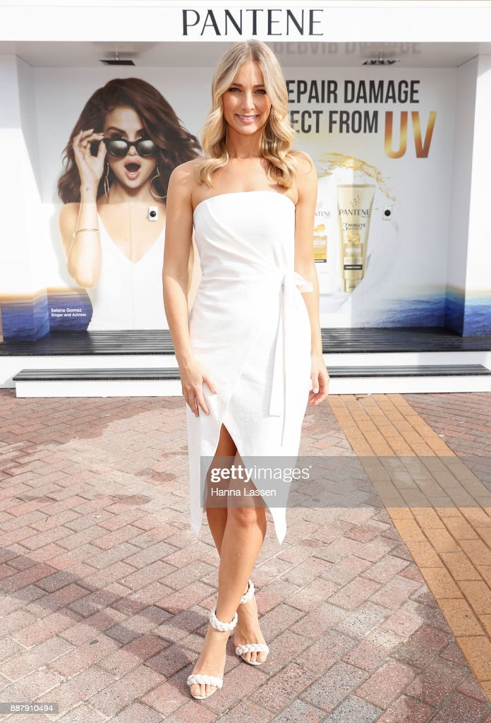 Anna Heinrich attends the Pantene Summer Showers Launch at Bondi Beach on December 8, 2017 in Sydney, Australia.