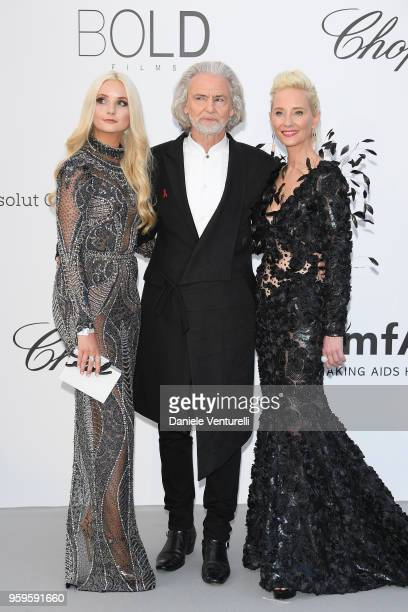 Anna Hiltrop,Hermann Buehlbecker and Anne Heche arrive at the amfAR Gala Cannes 2018 at Hotel du Cap-Eden-Roc on May 17, 2018 in Cap d'Antibes,...