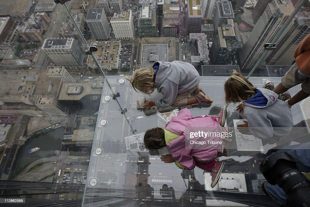 Sears Tower Ledge : News Photo