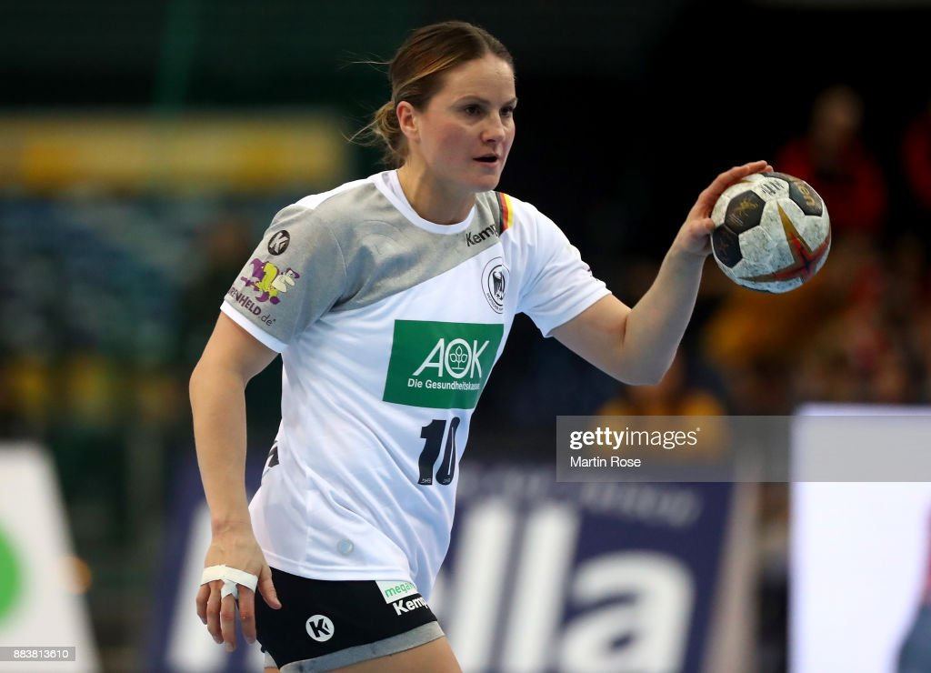 Germany v Cameroon - 2017 IHF Women's Handball World Championship Germany : Photo d'actualité