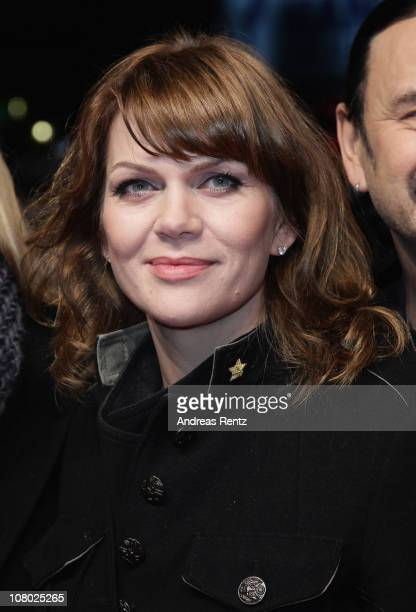 Anna Loos arrives for the 'Hinterm Horizont' musical premiere at Theater am Potsdamer Platz on January 13 2011 in Berlin Germany