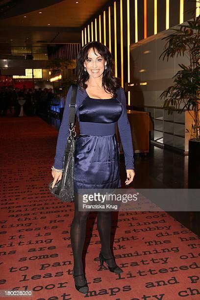 Anna Maria Kaufmann Nach Der ' 007 Ein Quantum Trost' Premiere Im Cinestar Am Potsdamer Platz In Berlin Am 031108