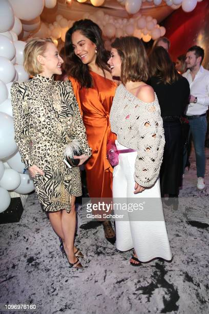 Anna Maria Muehe Nilam Farooq and Cristina do Rego during the PLACE TO B Berlinale party of BILD at Borchardt Restaurant on February 9 2019 in Berlin...
