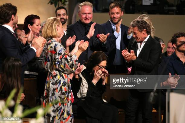 Anna Maria Muehe standing ovation for Nana Mouskouri Peter Maffay during the European Culture Awards TAURUS 2018 at Dresden Frauenkirche on June 8...