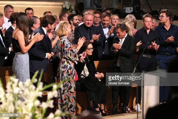 Anna Maria Muehe standing ovation for Nana Mouskouri Peter Maffay during the European Culture Awards TAURUS 2018 at Dresden Frauenkirche on June 8...